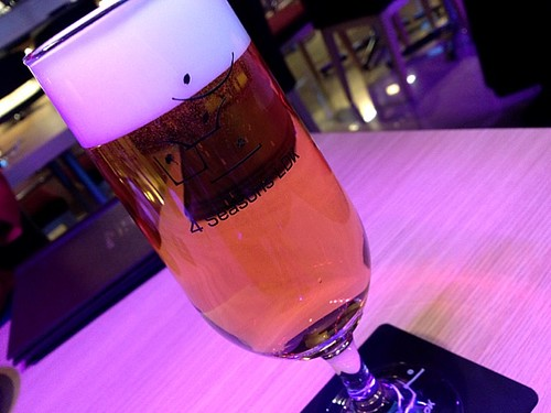 生ビール。コップいロゴがついているのね!@4 Seasons LDK