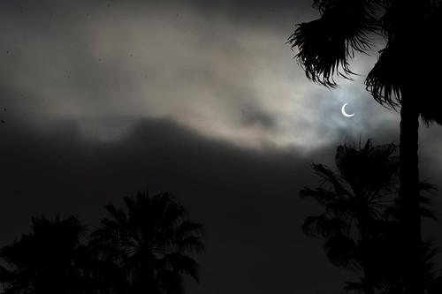 Solar Eclipse Venice Beach 5-20=12