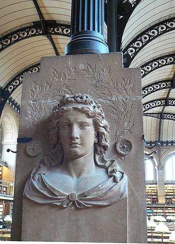 sainte Geneviève à la bibliothèque.jpg