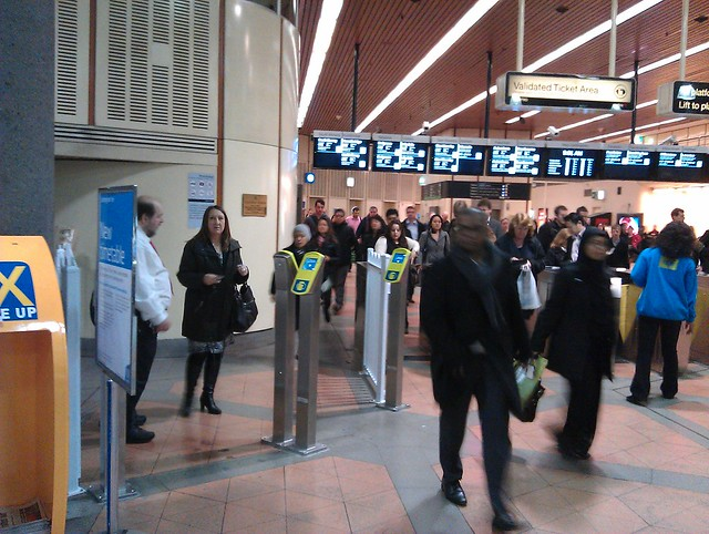 Flagstaff: extra standalone Myki readers to take gate overflow