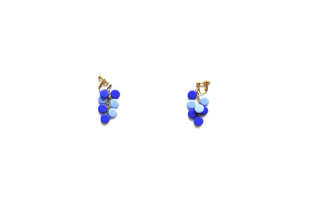 blue petit circle earrings