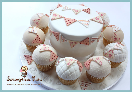 Big Cake Little Cakes : Hang Out The Bunting by Scrumptious Buns (Samantha)