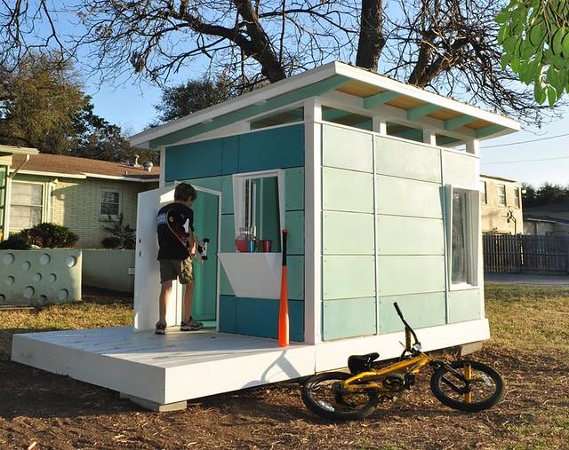 kanga-mid-century-modern-play-house