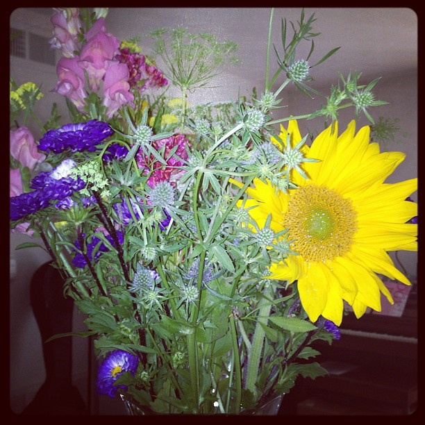 Fresh flowers in the house. #lifejoy