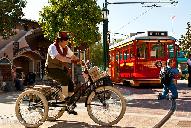 Buena Vista Street - Citizens - Molly the Messenger