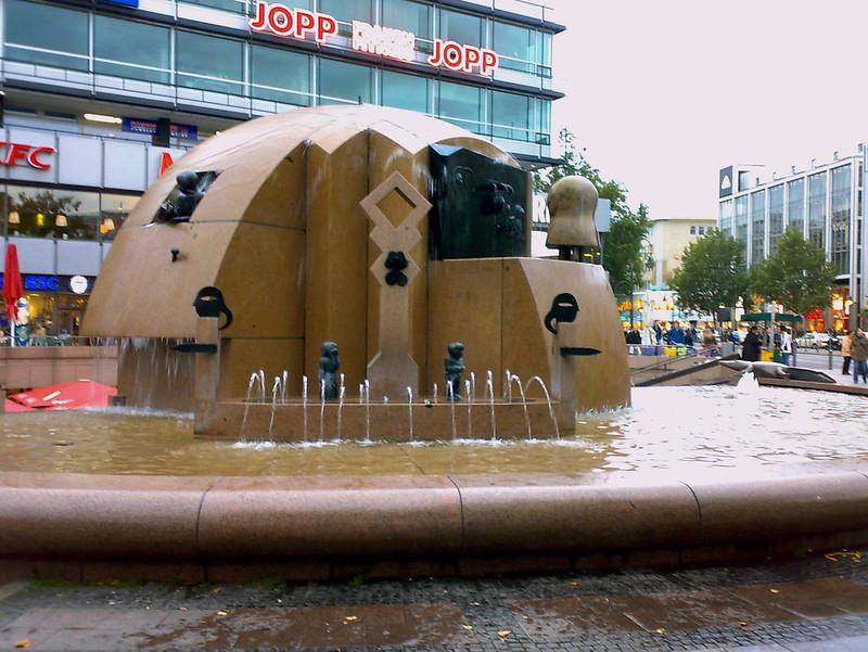 Weltkugelbrunnen, Berlim, Alemanha