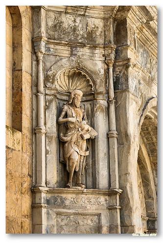 Detalhe de escultura na porta Especiosa by VRfoto