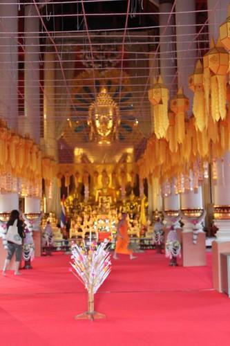 20120121_2131_Wat-Pra-Singh-interior
