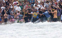 Mick Fanning overcomes 11-time world champ Kelly Slater to claim the 2012 Rip Curl Pro.