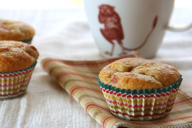 rhubarb muffins 4