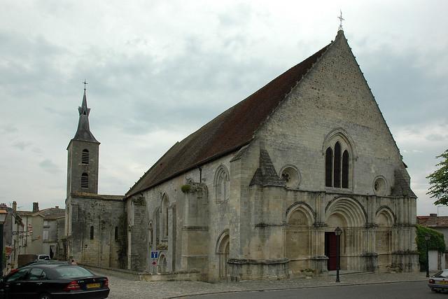 Abadia de Notre-Dame de Guîtres
