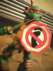 "NECA TEENAGE MUTANT NINJA TURTLES :: ""LEONARDO""  Tube Pack xxii (( 2008 ))"