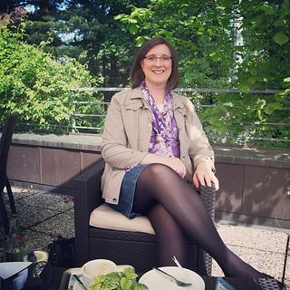 Michaela im Café Fischer in Friedrichshafen