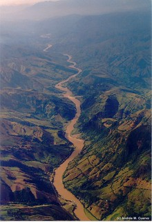 Cauca River Canyon - home of the new wren Thryophilus sernai (Cucarachero Paisa)