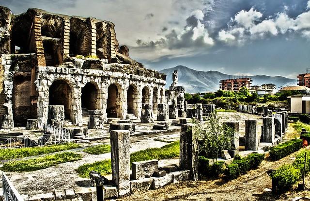 Anfiteatro campano santa maria capua vetere flickr - Piscina santa maria capua vetere ...