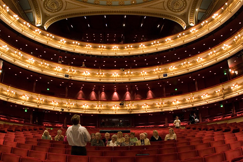 how to get to queens theatre london