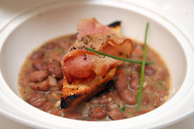 Borlotti beans, crispy pancetta, extra virgin olive oil