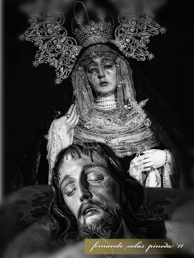 Santísimo Cristo Yacente y Nuestra Señora de los Dolores