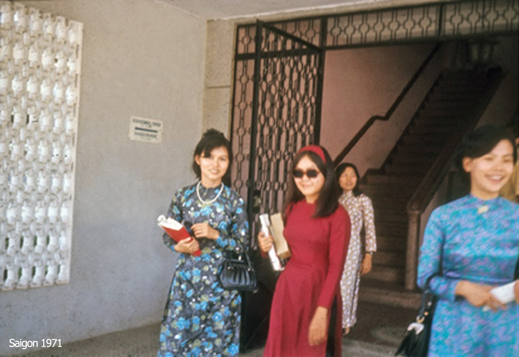 Saigon, 1971 - áo dài
