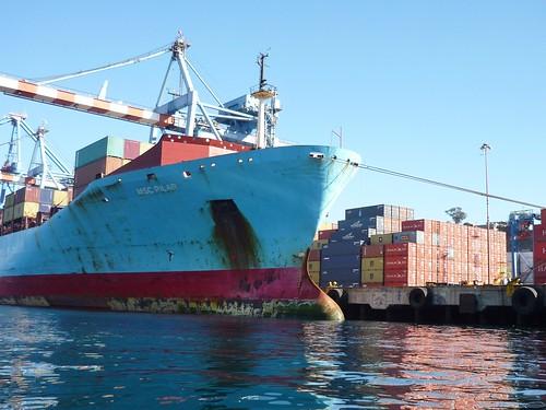Valparaíso container ship