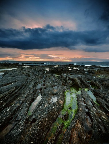 sunset photography scotland highlands nikon rocks cloudy scottish moray firth lossiemouth skerries hopeman instantfave d3100