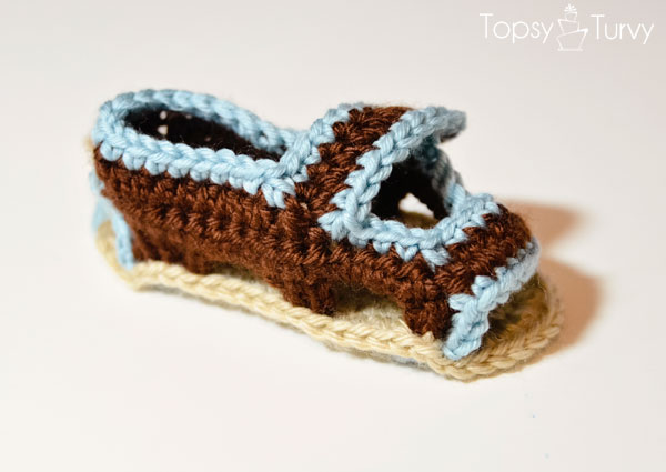 crochet-baby-sandals-trim-finished