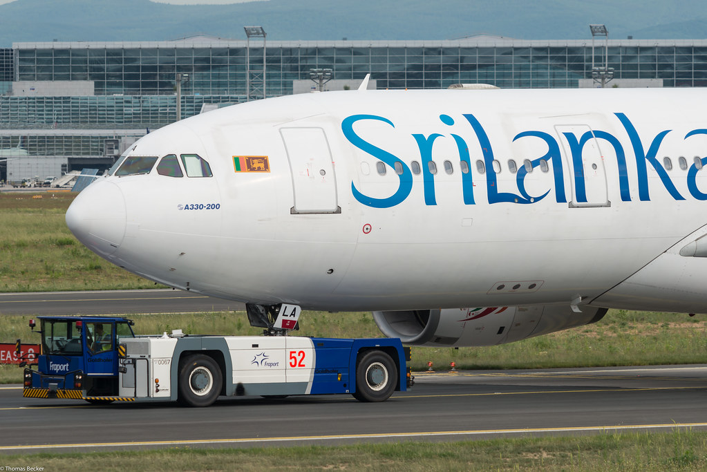 SriLankan Airlines Airbus A330-243 4R-ALA (800302)