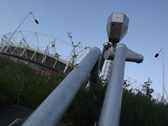 outdoor structure(0.0), machine(0.0), pipeline transport(0.0), water(0.0), mast(0.0), lighting(0.0), wind(1.0), street light(1.0),