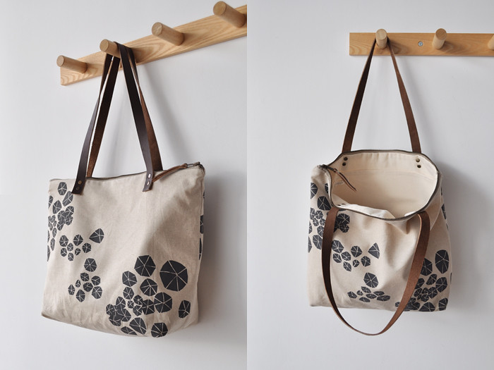 anemone zip tote