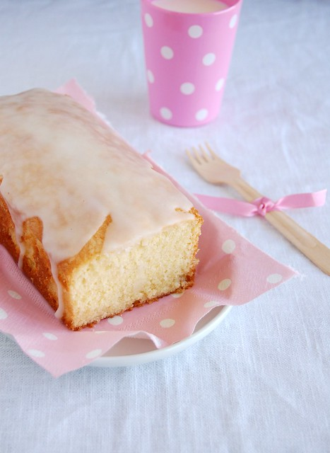 Fresh lemon pound cake / Bolo de limão siciliano