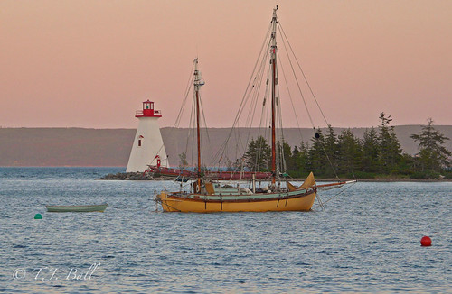 lighthouses sunsets sailingships baddeckns