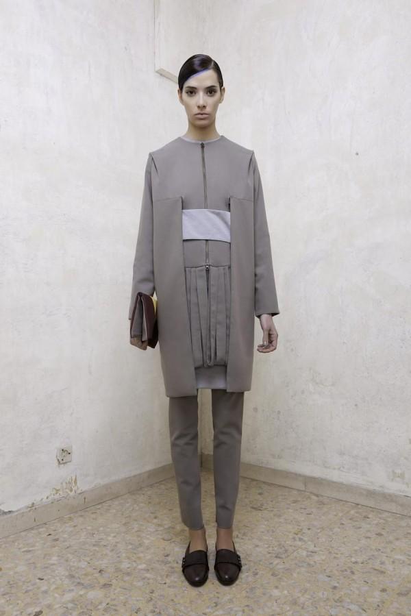 Modern-Women-Wear-Fall-Winter-2012-2013-23-600x899