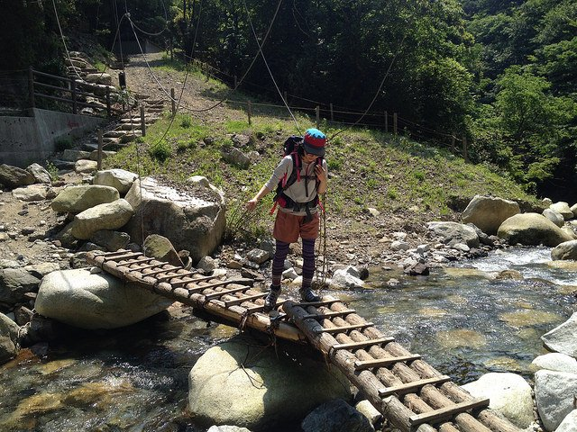 竜ヶ岳 登山道 白滝丸太橋 しな