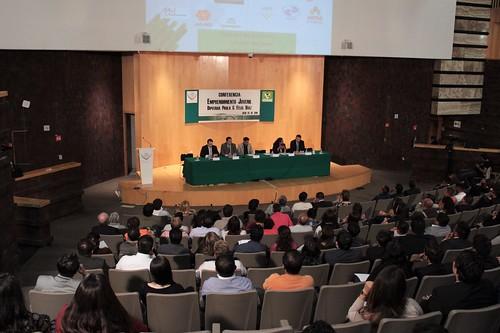 El día 7 de julio del 2016 se llevó a cabo en la H. Cámara de Diputados la Conferencia: Emprendimiento juvenil.