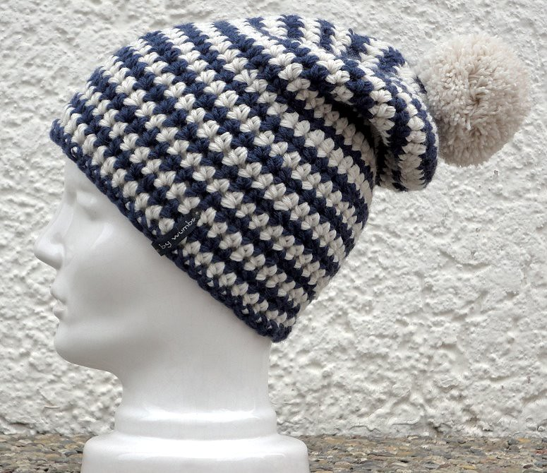 Ulli\'s Blog: Mütze Nr. 15/2012 Boshi Niseko blau weiß