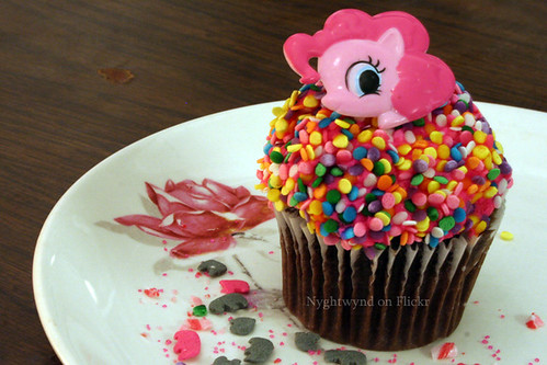 Week 10 - Pinky Pie's Cupcake