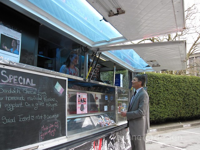 Mayor Gregor Robertson checking out Italian food cart Slingers