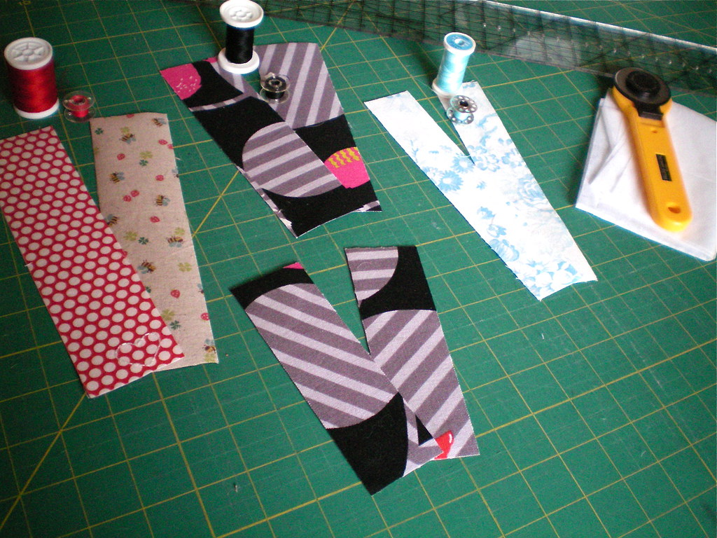 10-minute Fabric Bookmark Tutorial