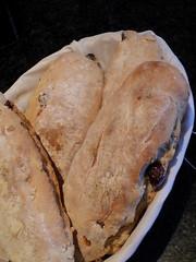 bread(0.0), flatbread(0.0), ciabatta(0.0), produce(0.0), naan(0.0), baking(1.0), baked goods(1.0), food(1.0), dish(1.0), cuisine(1.0), sourdough(1.0),