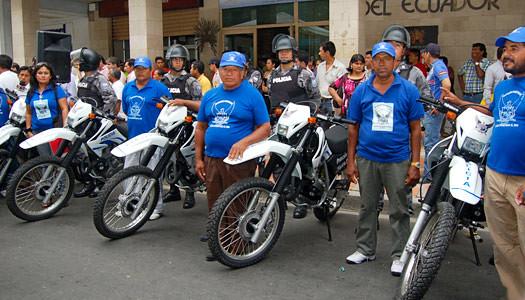 30 patrulleros y 50 motos combaten la delincuencia en el for Twitter ministerio del interior ecuador