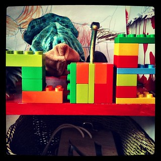 A few days back I left Small Z on her own for 30min & she wrote her name in #lego #4yo #unprompted