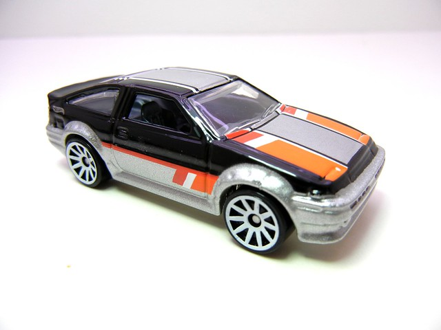 hot wheels decades toyota ae86 trueno (2)