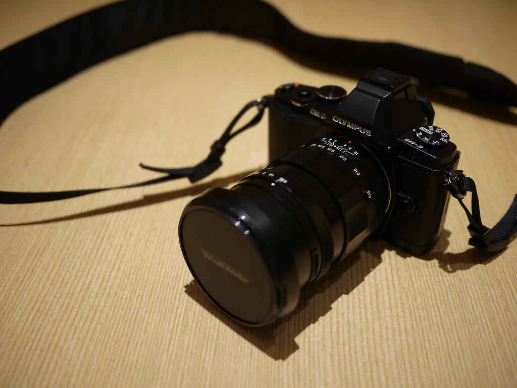 Olympus OM-D E-M5 + Nokton 17.5mm F0.95