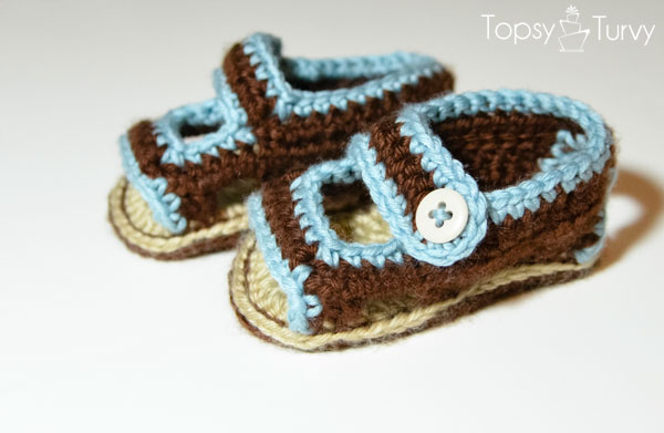 crochet-baby-sandals-pair