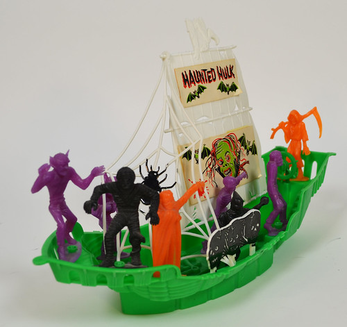 MPC Haunted Hulk Monster Ship 4