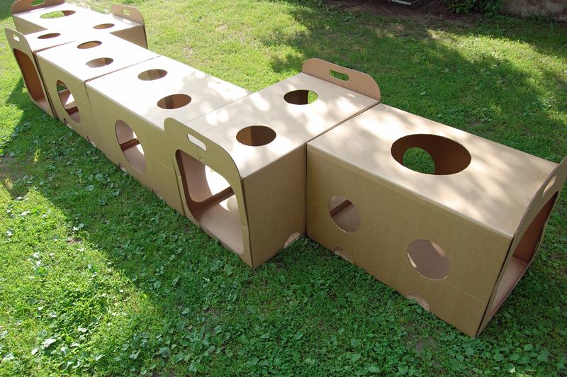 Cardboard tunnel_001