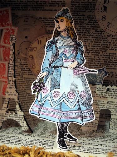 Alice Summers in Paris (center)