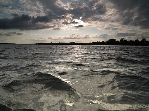 sky clouds silver river grey waves chop stlawrenceriver bluegrey choppy splitnd g1x canoescape