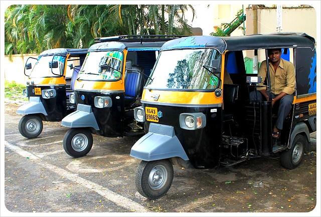 tuktuks in cochin