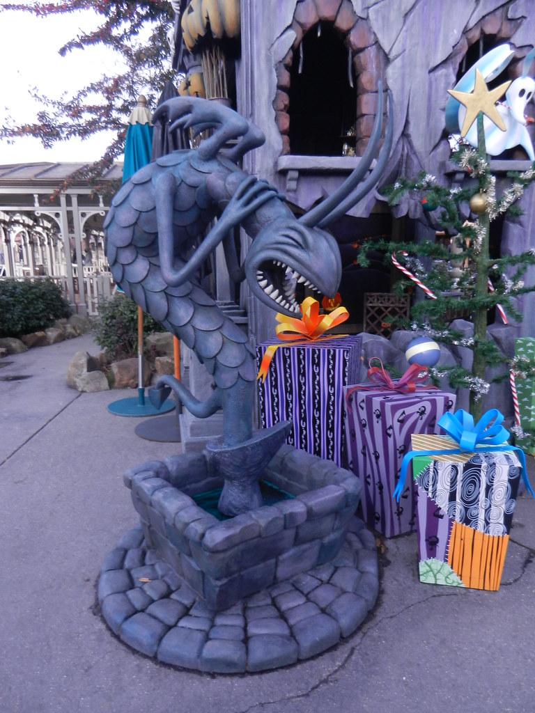 Un séjour pour la Noël à Disneyland et au Royaume d'Arendelle.... - Page 2 13647288924_2a413da0fd_b